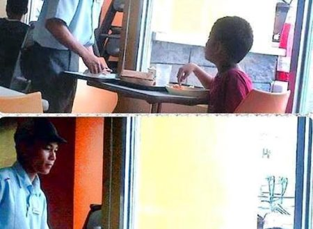 Very Touching. A Beggar child bought some food in a Fast Food chain