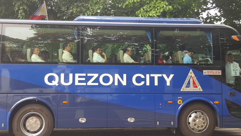A bus from the City Government of Quezon used to carry public officials to Malacañang Palace Photo:PRR
