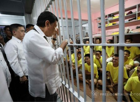 WATCH: President Duterte vows to help a prisoner in Camp Bagong Diwa with 6 children