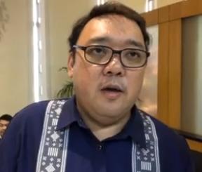 """Spokesperson Harry Roque warns the destabilizers: """"Maghanda kayo, hindi lang bato ang ibabato ko sa inyo, hollow blocks!"""""""