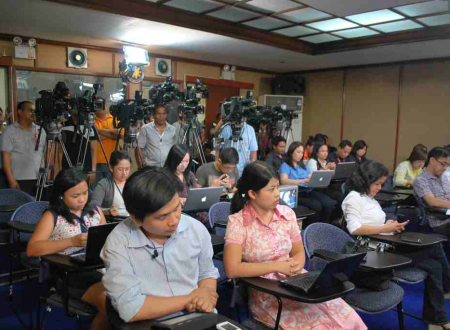 Malacañang Press Corps reportedly trying to block RTVM from publishing live coverage of Duterte's Vietnam visit